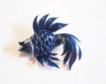 LAPIS blue ENAMELED silvertone stamped 3 DIMENSIONAL fish brooch