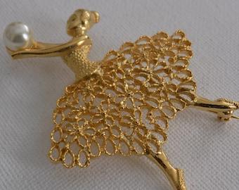 """Vintage brooch, signed """"Celebrity NY"""" golden ballerina brooch with pearl brooch, retro brooch, designer brooch, elegant brooch"""