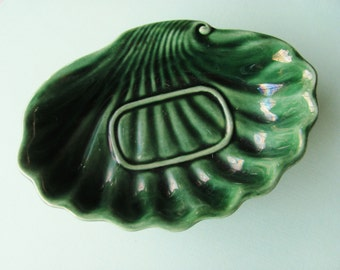 Vintage Soap Dish Hull Pottery F25 Green Agate 1960s Green Ceramic Clam Shell Shape Rare Hard To Find Beach Boho Craftsmen Bathroom Decor