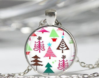 ON SALE Christmas Jewelry Festive Mod Christmas Tree Art Pendant in Bronze or Silver with Link Chain Necklace Included