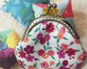Handmade Smal Coin Purse - Floral Patten in White (ONE only/1510-01)