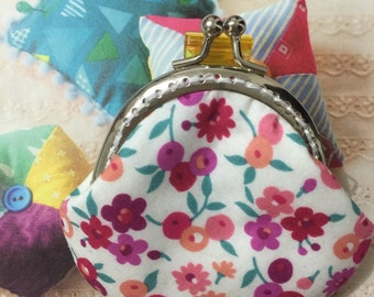 Handmade Smal Coin Purse - Floral Patten in White (ONE only/17039)