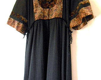 Vintage 70's bohemian black velvet trim Maxi Dress
