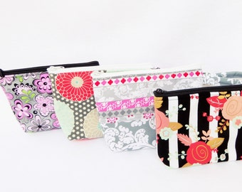 Bridesmaids Gift / Party Favors  Assorted Print Makeup Bags // Gift Set of 4 // Bridesmaid Gift Set  / Wristlet / Cosmetic Bag.