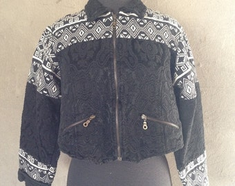 60% OFF Vintage 1990s 1980s Black and White Tribal Cropped Zip Front Tapestry Jacket M/L (i)