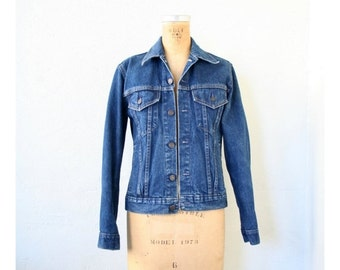 SALE / vintage ladies fitted denim jacket - dark wash denim / 70s Gap Pioneer denim - early 80s / 80s denim jean jacket