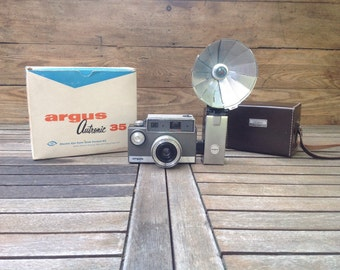 "FLASH SALE! 25% off when you enter ""25FLASH"" - Rare Argus f3.5 Cintar Camera and Flash Kit"