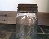 Vintage Circle Mason Jar Pint Size