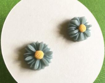 Daisy Earrings, Blue Gray Flower Earrings on Titanium Posts
