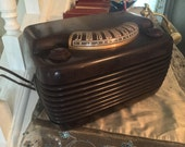 Philco radio 10629B bakelite brown with tubes