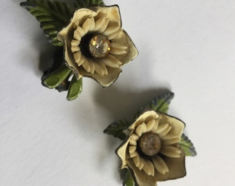 Metal, lucite and rhinestone cast floral earrings   VJSE