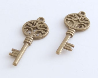 Antique Brass Skeleton Key Charm 11x26mm (12 pcs) MW-P2006