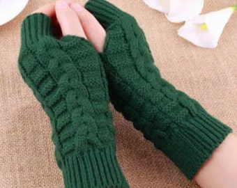 Hunter green knit arm warmers fingerless gloves