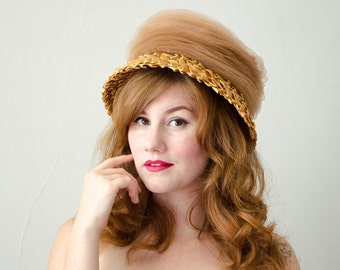 1960s vintage hat / golden raffia bucket hat / Gardner