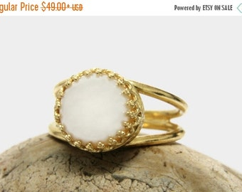 25% OFF SALE - freshwater pearl ring,gold ring,bridal ring,wedding ring,gold pearl ring,cultured pearl jewelry,bridesmaid gifts,whi