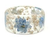 Blue Flower Bracelet -Real Dried Flower Jewelry-  Resin Bangle -White Flower Bracelet- -Blue Bracelet- -Resin Jewelry -Flower Jewelry