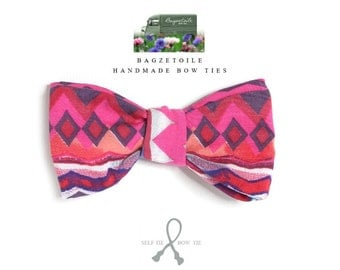 Bowtie in pink jazzy print fabric - adjustable - just self tie bow ties for men handmade by Bagzetoile - ships worldwide