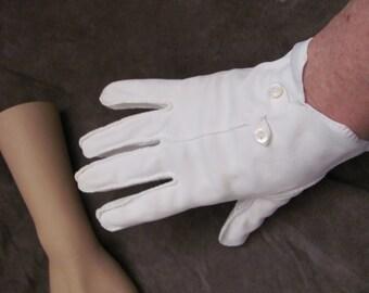 Beautiful Ivory White Ladies Wrist Gloves (11M)