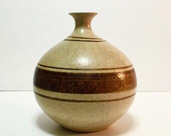 Carson, California Art Pottery Craft - Striped VASE Earth Tones Bud Vase 70s Studio Pottery, Eggshell Glaze Brown, tan Robert Maxwell era.