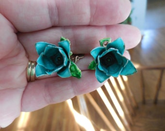 Vintage Gold Tone Teal/Green Enamel Flower Clip on Earrings Non Pierced Small 1950s to 1960s