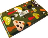 PSYCHEDELIC MUSHROOMS  Light Switch Cover Plate Switchplate
