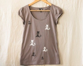 Taupe Brown T-Shirt with Cats in Black and White, Hand Painted T-shirt, Gift For Cat Lovers