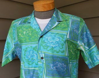 vintage early 1960's -Waltah Clark- Men's Hawaiian shirt. Funky Mid-century stylized floral print on Polished Cotton.  Medium