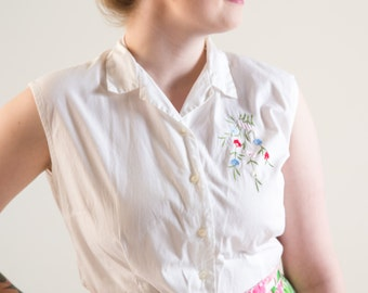 1950's White Cotton Floral Embroidery Blouse Size Large