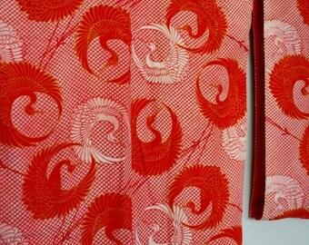 Crane patterned vintage kimono. Red