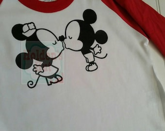 Mouse kissing tee