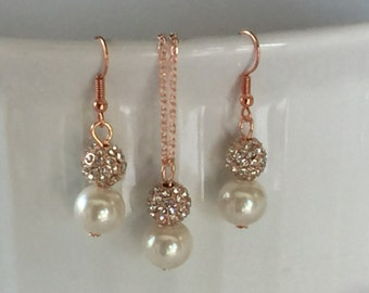 Bridesmaid jewelry in rose gold with rhinestones on bridesmaid gift cards, wedding jewelry, bridesmaid gifts