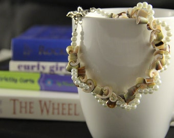 Pearls and shells bracelet