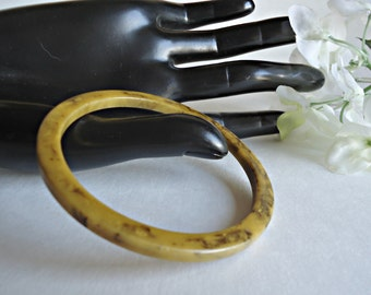 Vintage Bakelite Bracelet Muted Yellow Mablized With Black Retro Bangle