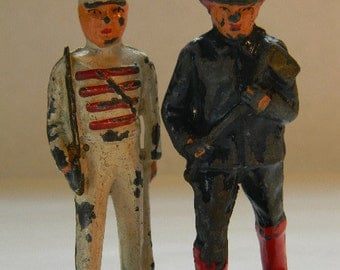 LEAD SOLDIERS, 2 Antique Barclay Lead Figures