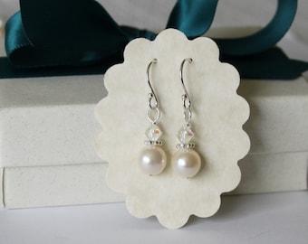 Fresh water pearl drop earrings- Bridesmaid earrings- Natural pearl and crystal earrings-  Bridal earring gift - Wedding pearl earrings