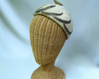 Vintage Ladies Hat Evelyn Varon Fur Felt Beaded Toque Ecru