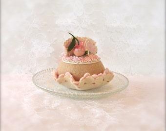 Felt Cake: Champagne and White Cherry Cupcake