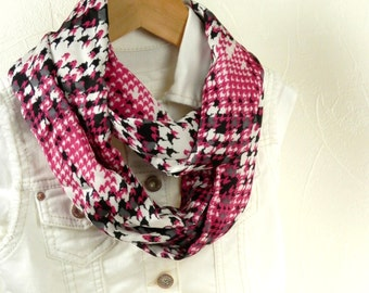Girls Infinity Scarf Pink Black and White Houndstooth Plaid Handmade Fashion by Thimbledoodle