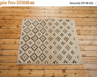 HAPPY SUMMER 10% OFF 4x4 Distressed Sparta Square Rug