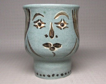 unusual pottery vase with a face and hair , has a signature , FMR ? mid century modern unmarked mystery pottery