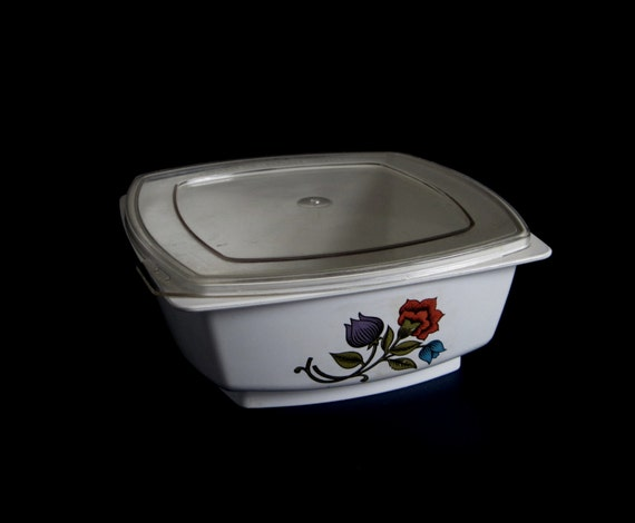 Hefty Food Container 1970s Plastic Container 1 Pint 2 Cups P2 Red Blue Purple Flowers White Clear Plastic Lid