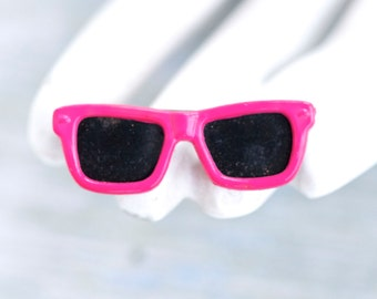Pink Sunglasses Brooch - Miniature 80s Lapel Pin - Made in Taiwan