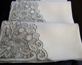 Italian Linen Napkins Set of Six Vintage Dinner Napkins Elegant Lace Detail Table Linens