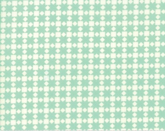 Handmade cotton fabric by Bonnie and Camille for Moda fabric 55142 22
