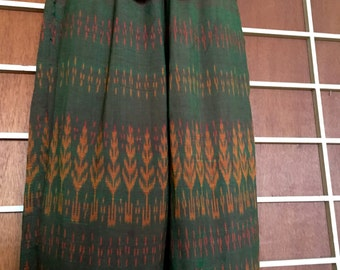 Wonderful vintage Indonesian fishermans pants with self tie and pockets