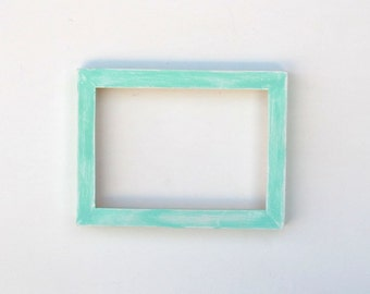Distressed aqua frame - 5x7 aqua over white
