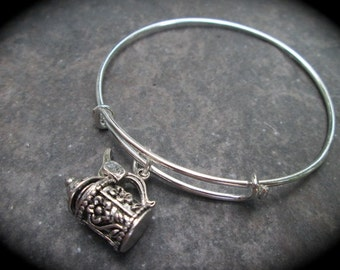 German Beer Stein Adjustable Bangle Bracelet with Beer Stein charm that opens and closes Oktoberfest German Jewelry