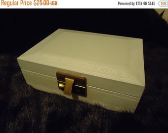 Christmas In July Sale 1950's 1960's Vintage Home Decor Collectible Jewelry Box Mid Century Modern Light Blue Trinket Treasure Box