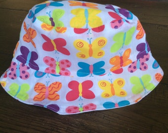 CLEARANCE - LAST ONE! 15% off! Reversible Butterflies and Spots Sun Hat (baby size - up to 45cm)