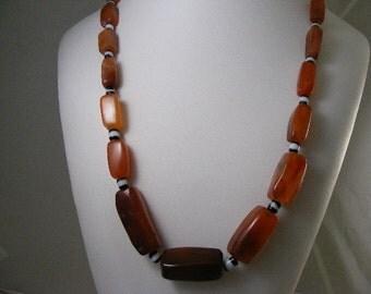 Vintage Chunky Carnelian Agate Bead Necklace..... Lot 4369